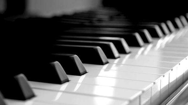 Piano-Keyboard-Art-Wallpaper-2560x1440.jpg